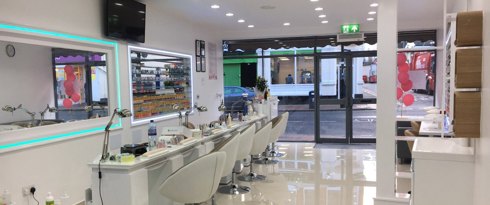 hollywood nails and spa eastbourne interior 7